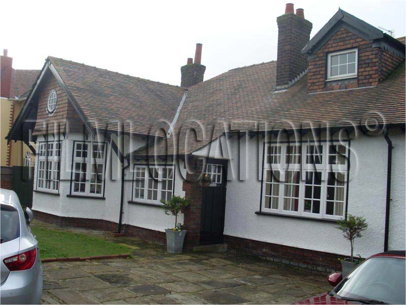 Fl00008 Detached Dorma Bungalow Liverpool Film Locations